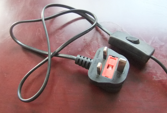 Switch on Cable with Pulg and Connector Lamp Holder