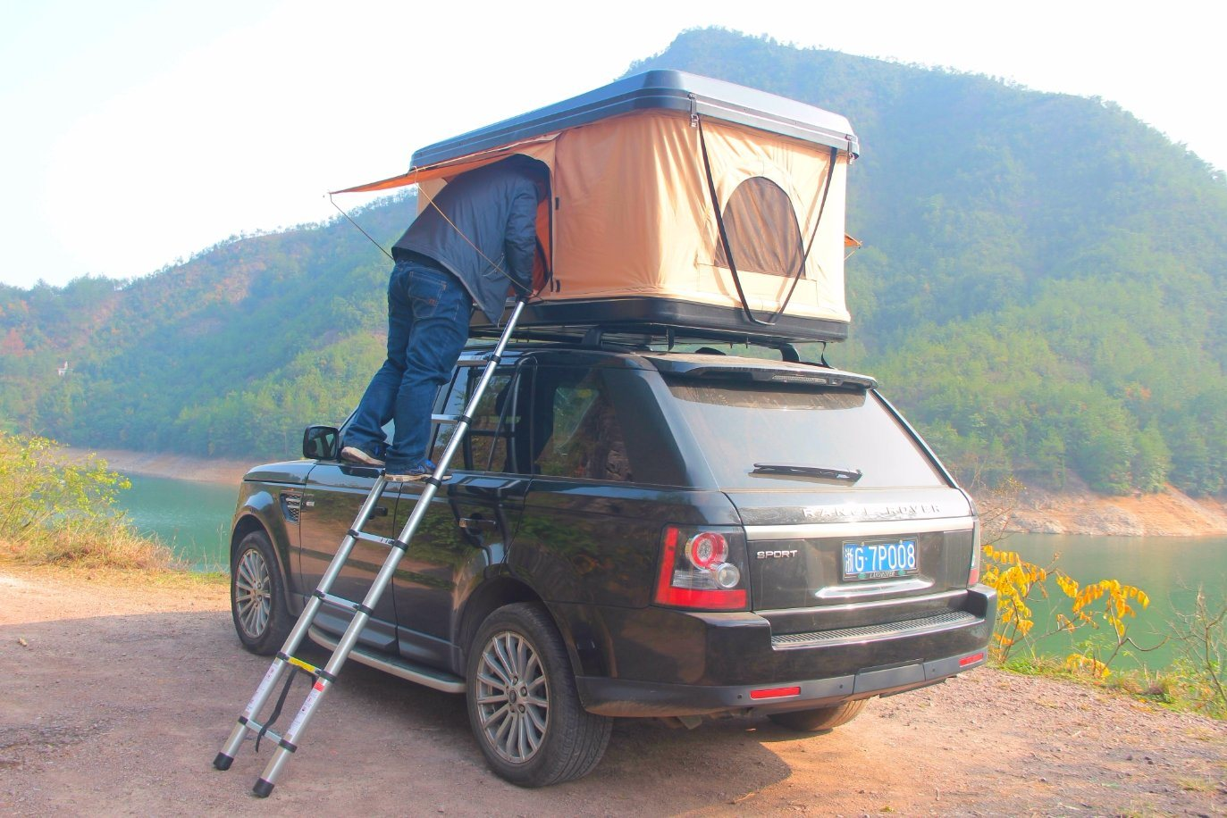 Little Rock Newest Hard Shell Roof Top Campng Tent