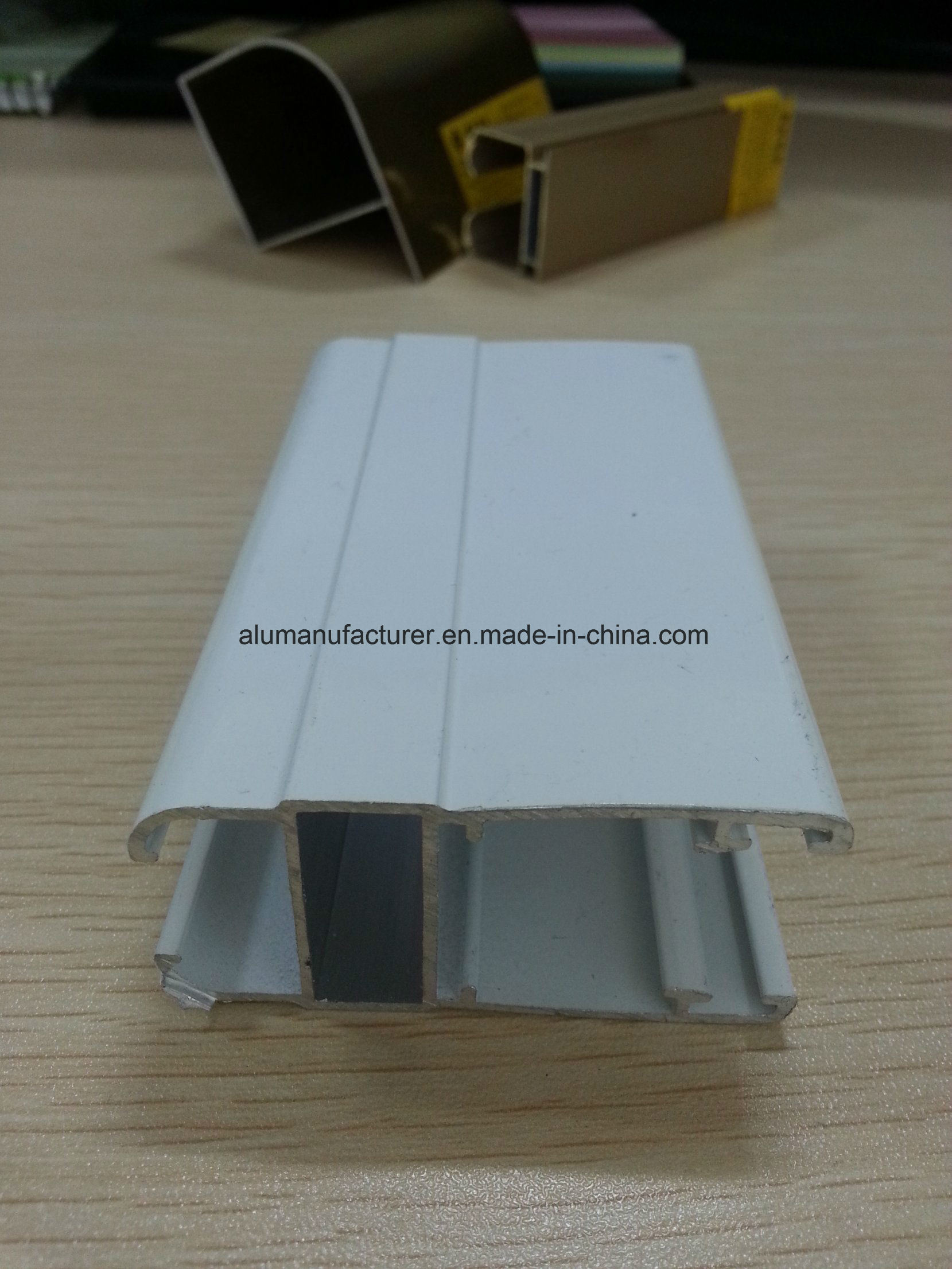 White Powder Coating Aluminium Alloy Extrusion Profile for Door and Window