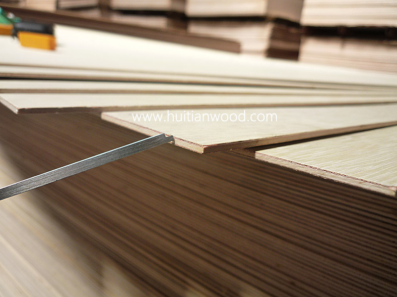 Plywood Air (3.2mm, white Meranti veneer, Poplar core, BB/CC, E1)