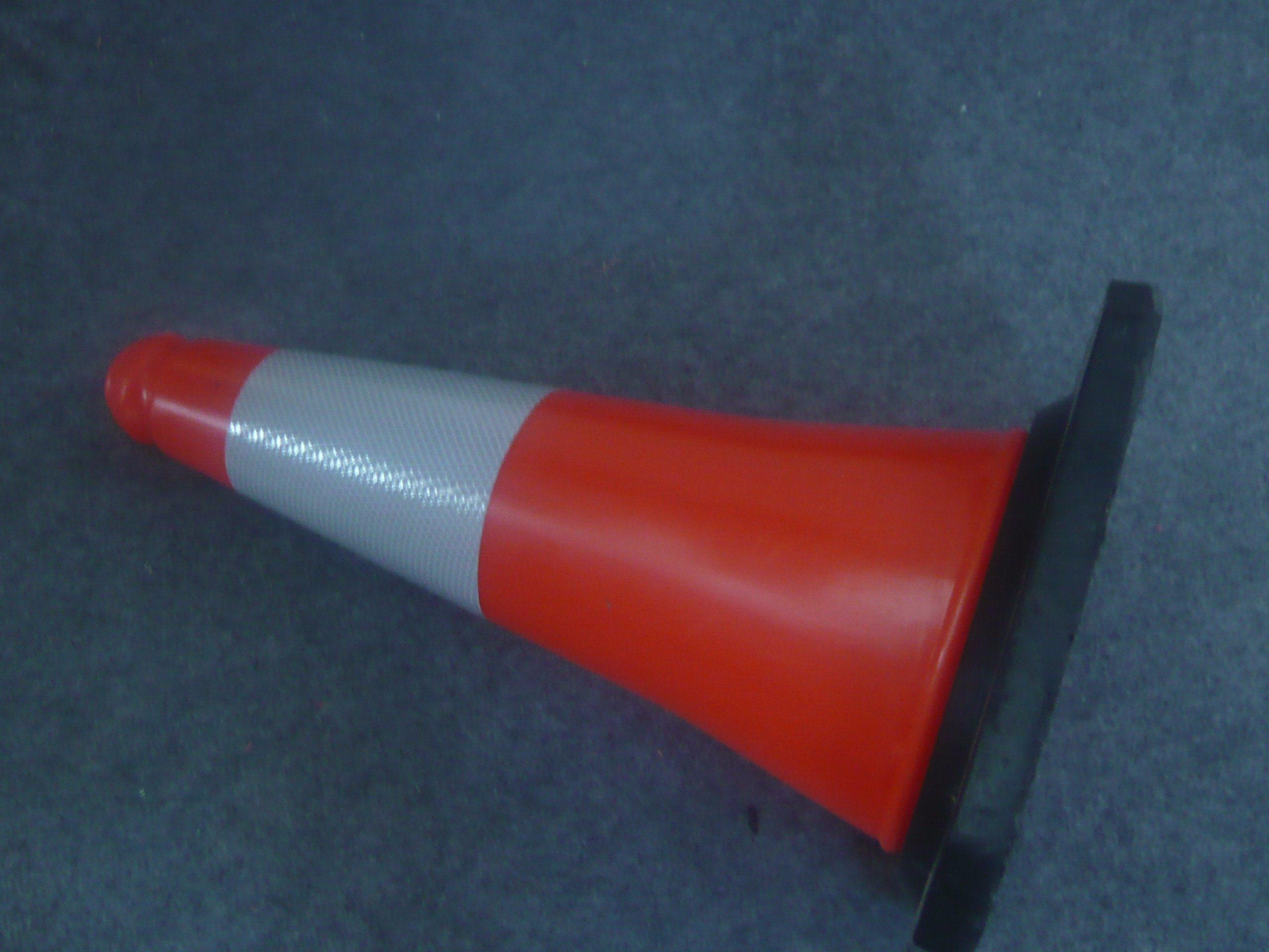 Competetive Price Interlocking PE 500mm Traffic Cone