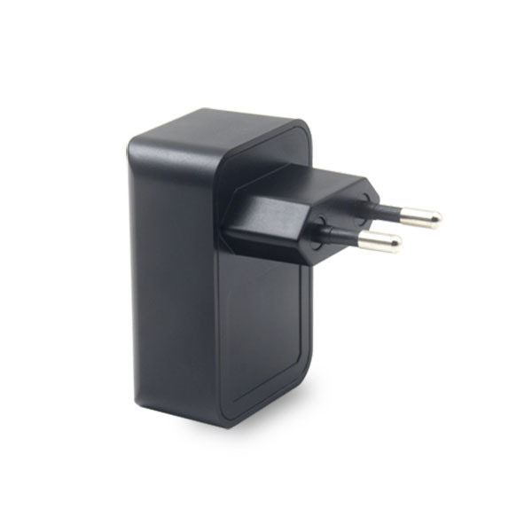 Universal USB Charger 2.1A with GS Certificate