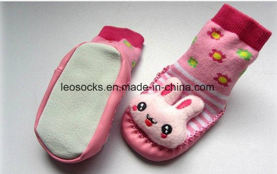 Wholesale Cute Cartoon Rubber Sole Baby Socks Happy Baby Prewalker Shoes