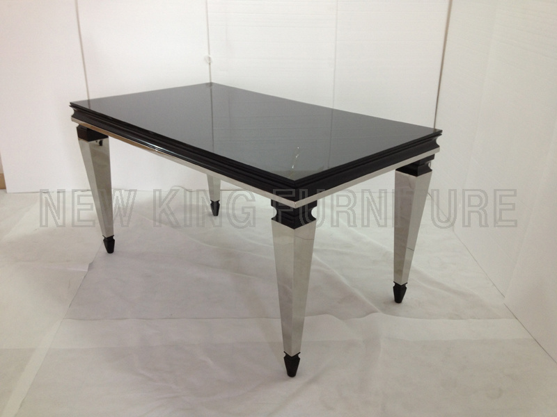 Modern Luxurious Temper Glass Top with Stainless Steel Foot Dining Table (NK-DT042)