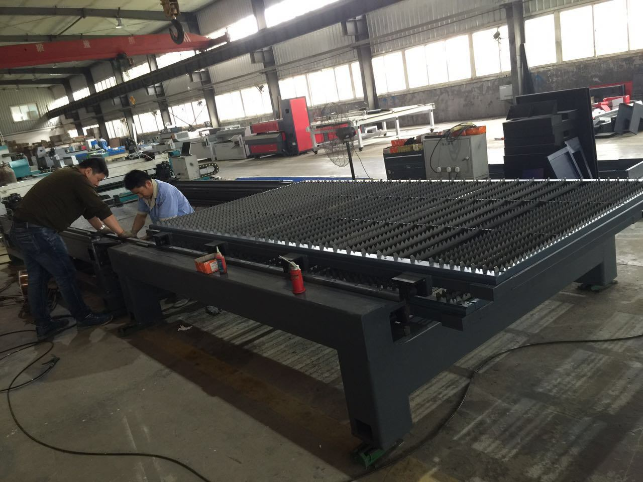 Fiber Laser Cutting Machine (XZ1325)