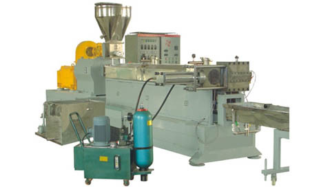 Twin-Screw Extruder Co-Rotating Model: Xl Series High Output Capacity, 500-600rpm Screw Speed