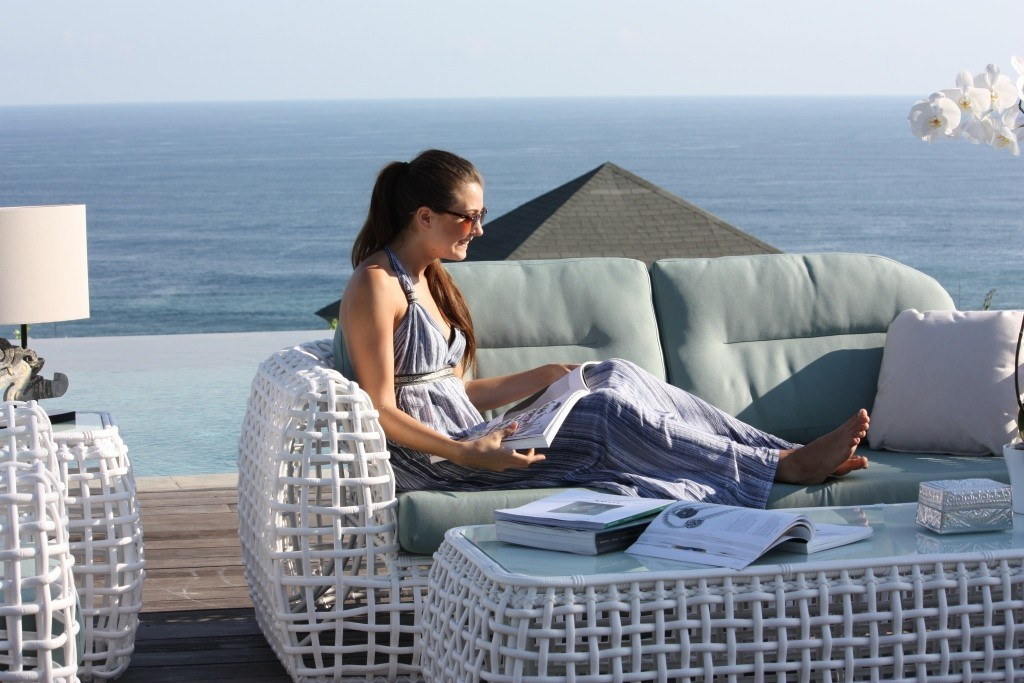 Elegant Outdoor Coastal Rattan Sofa Ivory Color