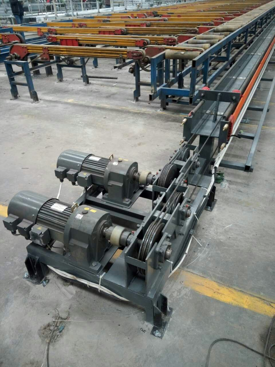 2017 Top Quality Double Aluminium Extrusion Puller for High Finished Product Rate