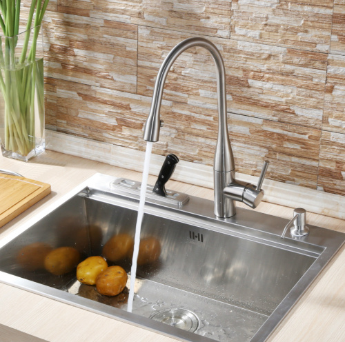 Deck Mounted Single Lever Pull out Kitchen Faucet
