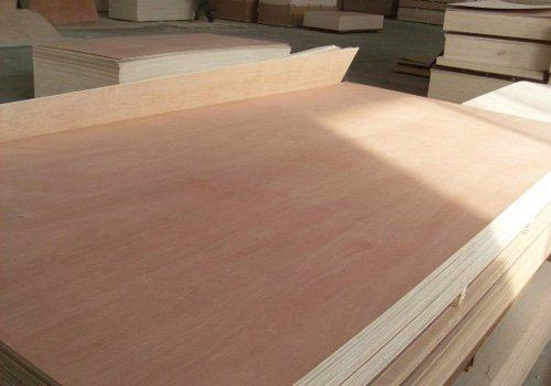 Competitive Price 18mm Okoume Face E2 Glue Combi Core Plywood