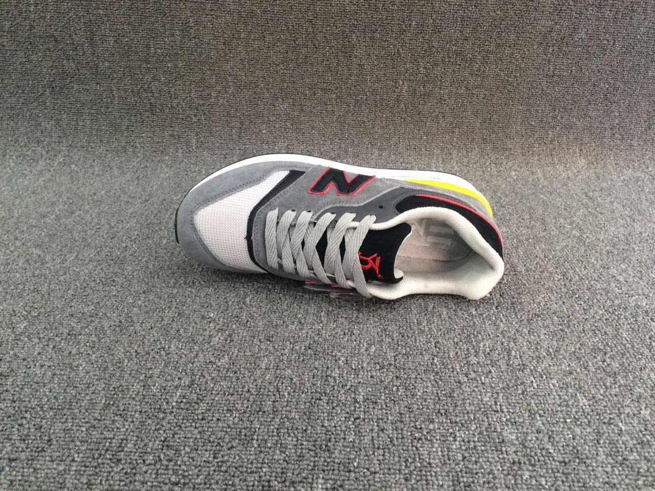 New Hot Fashion Women′s Sneaker Shoes