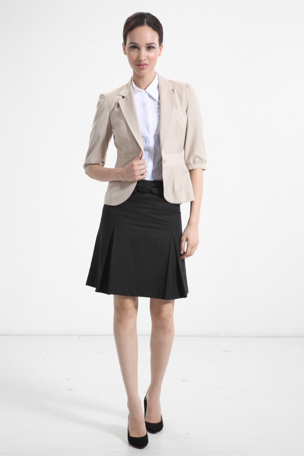 Women's Suits & Suit Separates. Sharpen your workweek look by shopping the selection of suits and suit separates. Find stylish options for the office with the latest looks in pant suits and skirt suits. Get head-to-toe polish with a full suit or mix and match with separates for the perfect fit.