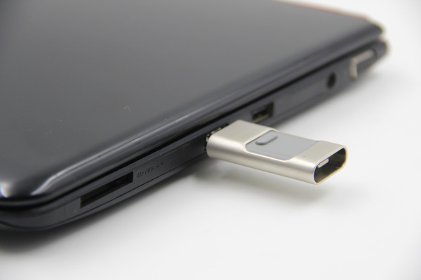 Hi-Speed 3in1 OTG USB Flash Drive for Apple&Android and Computer (OM-P901)