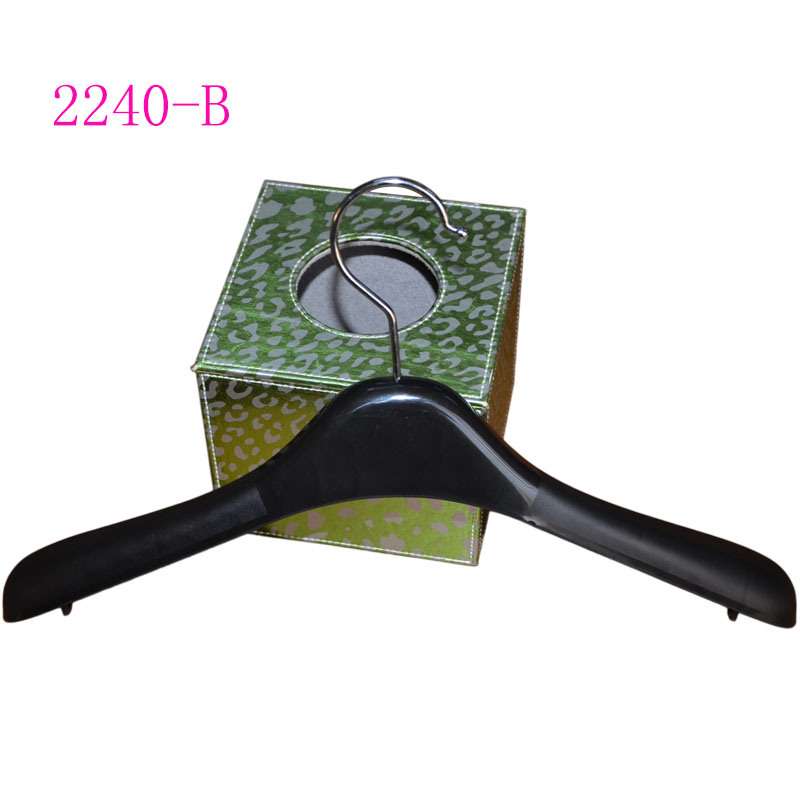Plastic Black Durable Hanger for Female Clothes