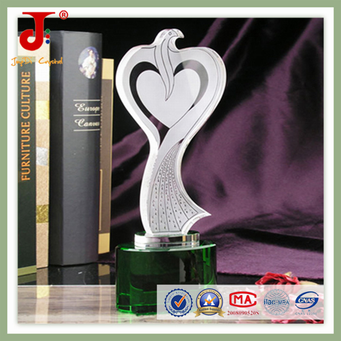 Unique Hand Cut Crystal Trophy (JD-CT-413)