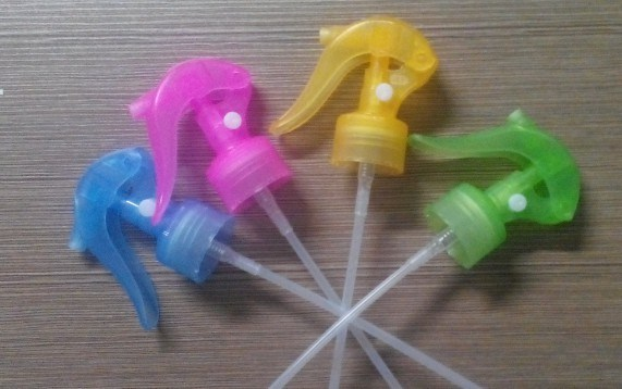 Plastic Mini Trigger Sprayer for Home and Garden, Trigger Sprayer Wl-Tr016