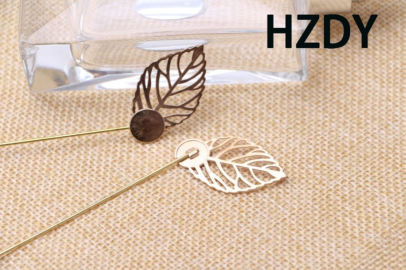 Tree Leave Lapel Pin/Brooch with Gold Colour