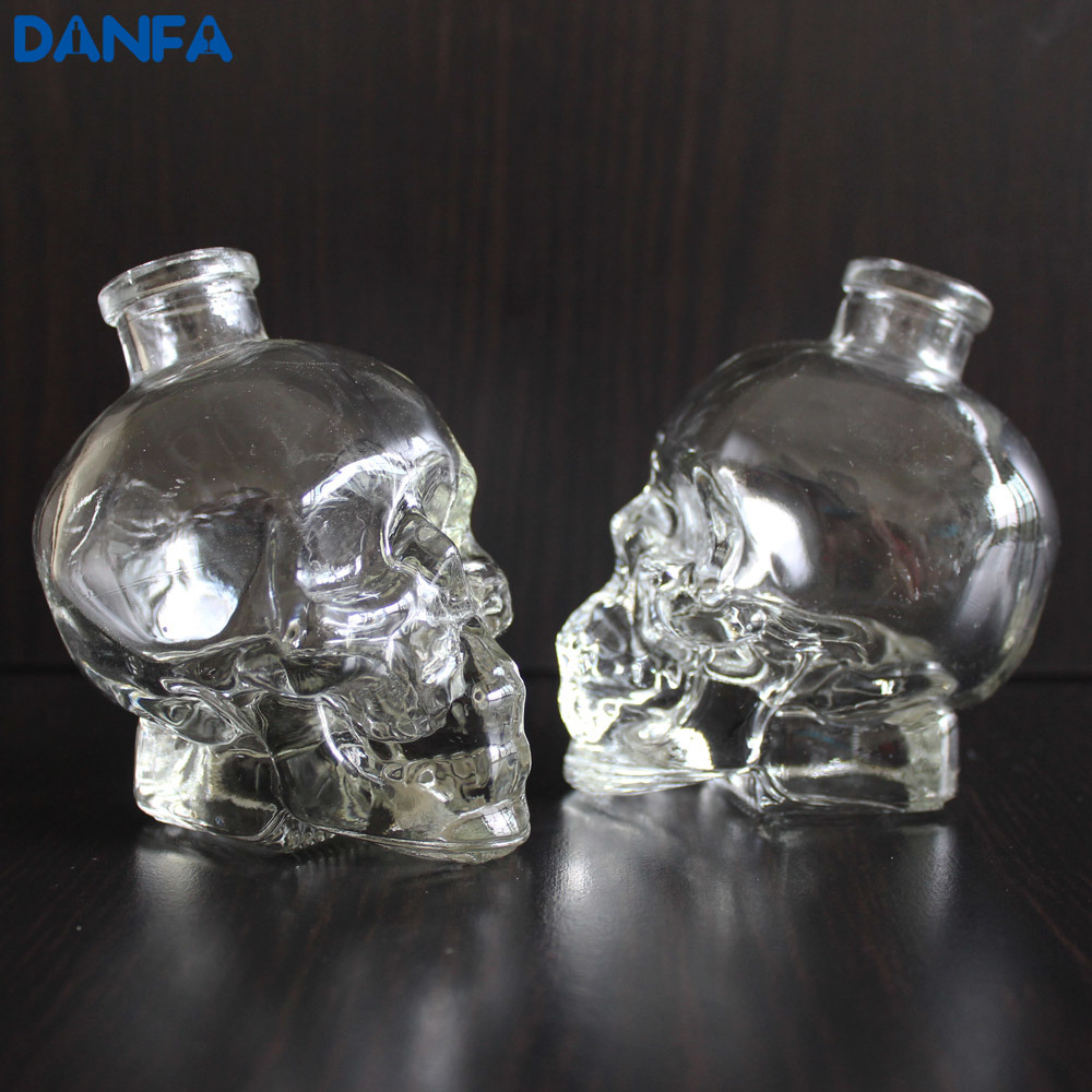 Customized Skull Glass Bottle for Vodka, Whiskey, Tequila