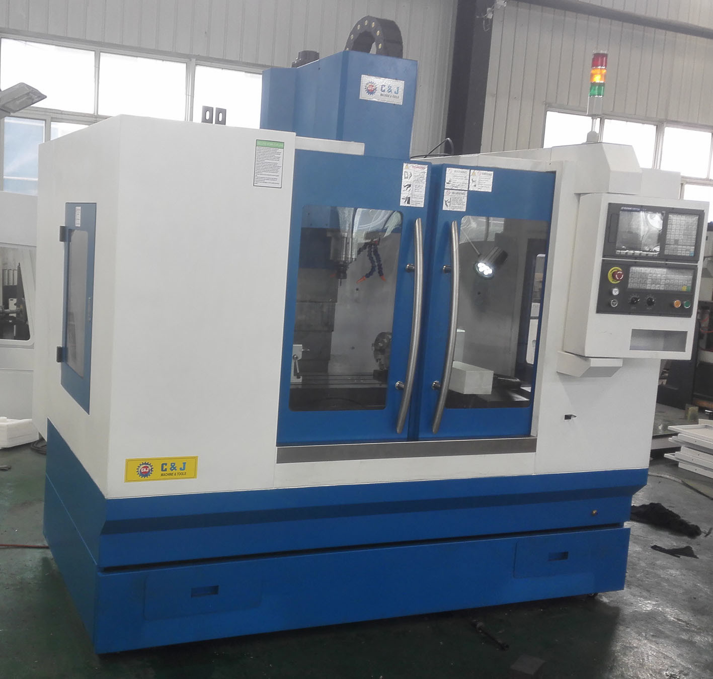 CNC Control Vertical Machining Center (XH7132)