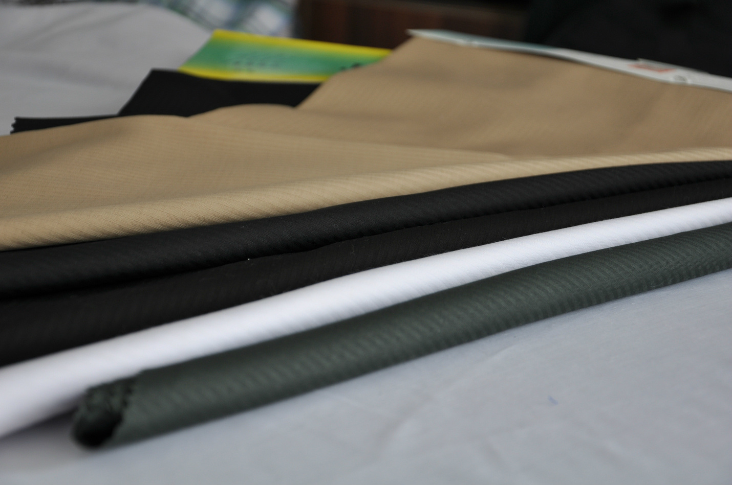 100% Polyester / Lining / Herringbone Fabric