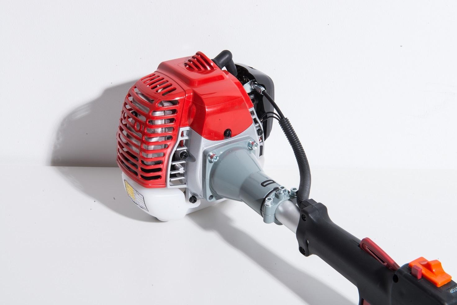 Brush Cutter Powered by Zenoah Gasoline Engine (G26LS)