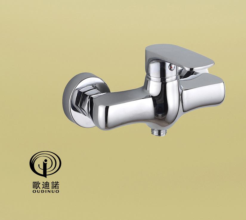 Single Handle Bath-Tub Mixer with Chrome Finishing 67213