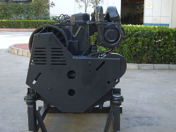 Deutz F2l912 Diesel Engine with Deutz Spare Parts