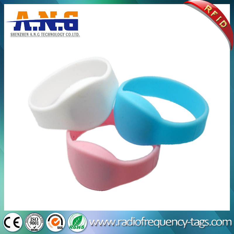 13.56MHz Hf RFID MIFARE Silicone Wristband for Pools Waterparks