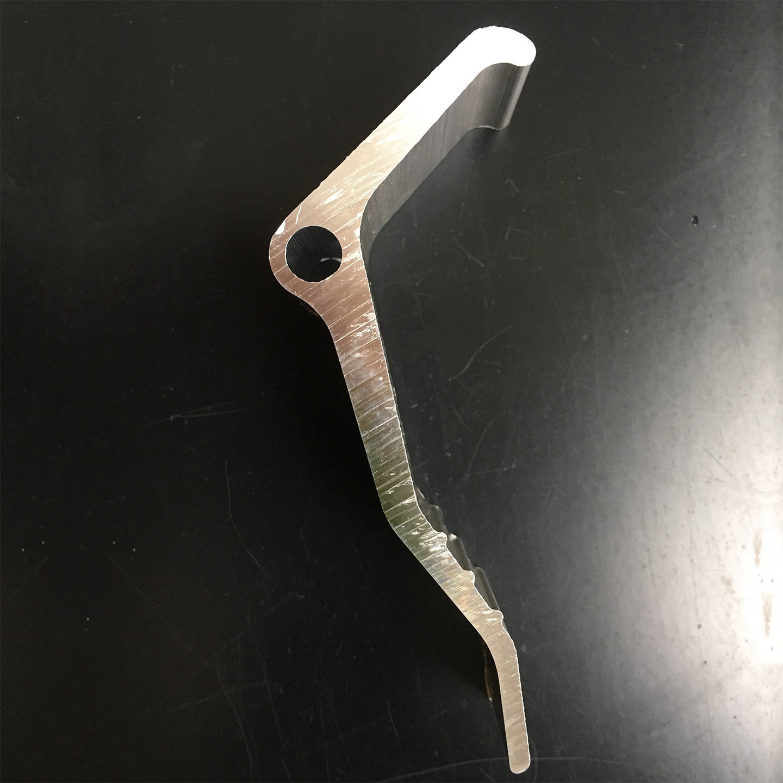 Extrusion/Extruded Aluminium Profile with Boomerang Shape