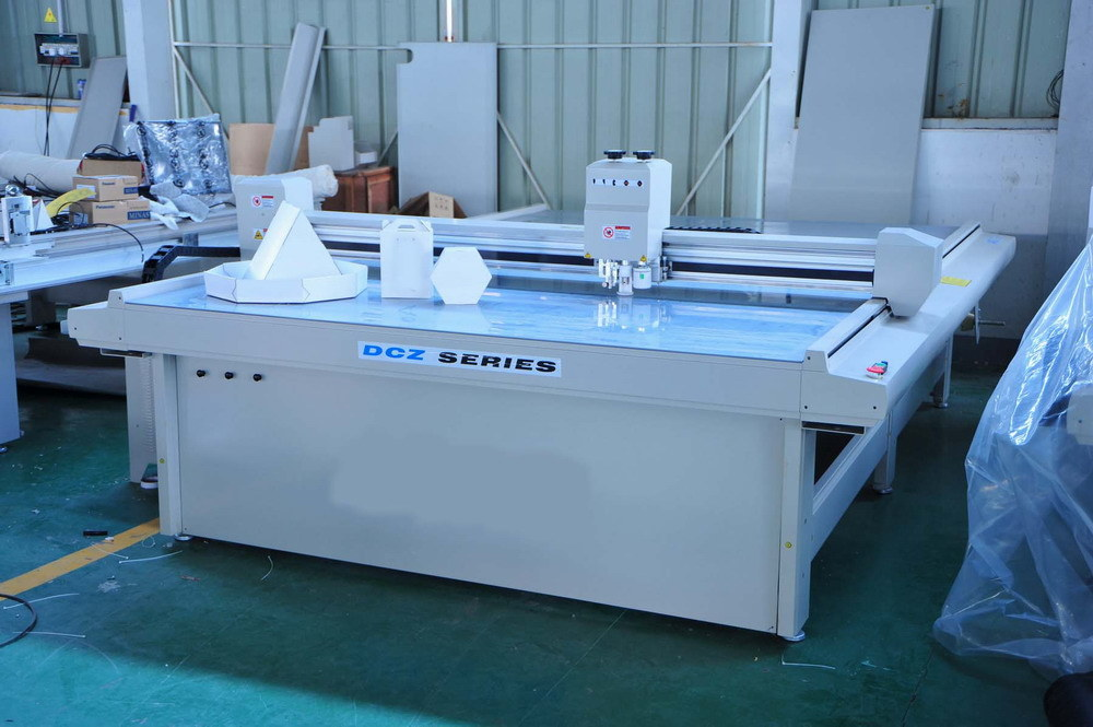 Carton Box Sample Flatbed Cutting Plotter (DCZ302516, DCZ301713, DCZ301310)