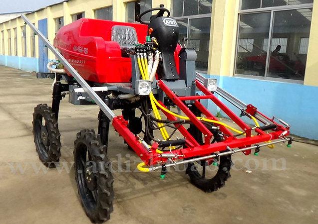 Aidi Brand 4WD Hst Farm Self-Propelled Boom Sprayer for Dry Farmland