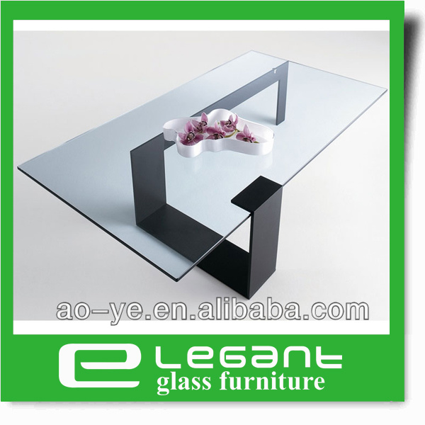 Rectangle Clear Tempered Glass Top Coffee Table with Black Painting Iron Base
