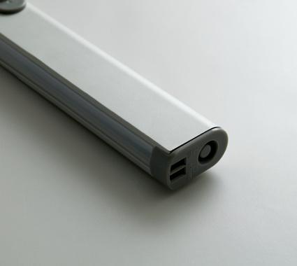 Closet Aluminum LED Clothes Hanger Rod, Rechargeable