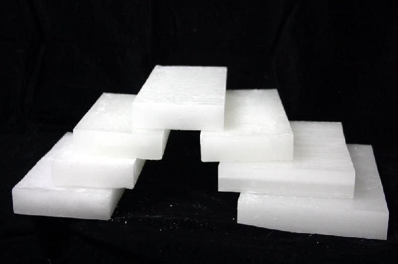 Sell Paraffin Wax 58/60 (Semi Refined or Full Refined) for Candle Making