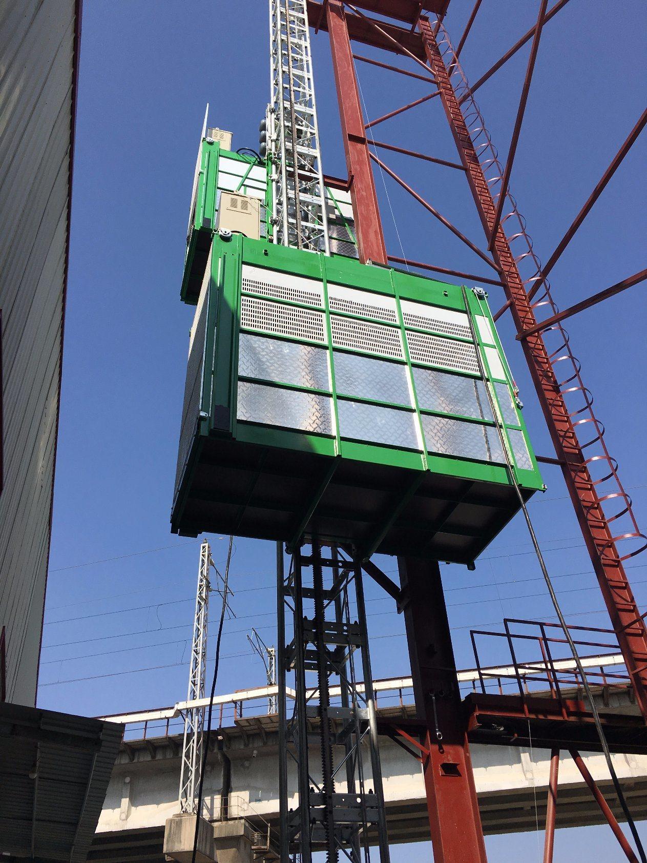 Construction Elevator Model Sc200/200 Construction Hoist Building Construction Hoist