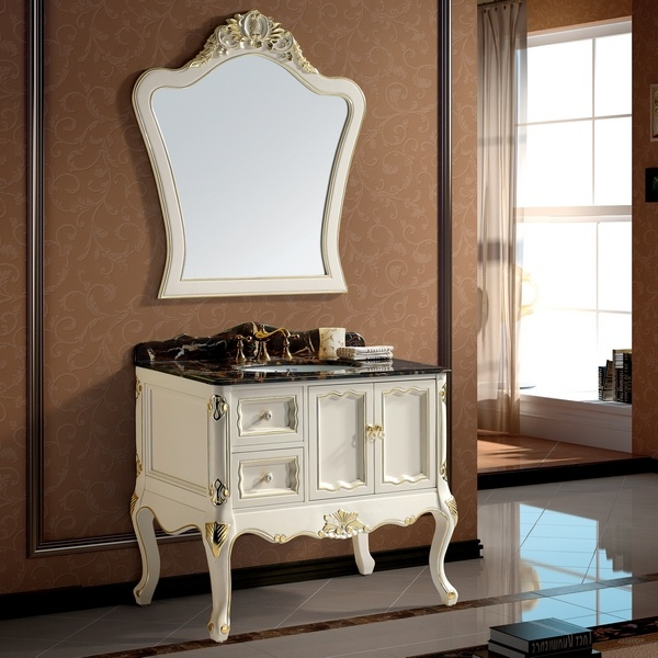 Muebles blancos antiguos de lujo del cuarto de ba o for Bano muebles blancos