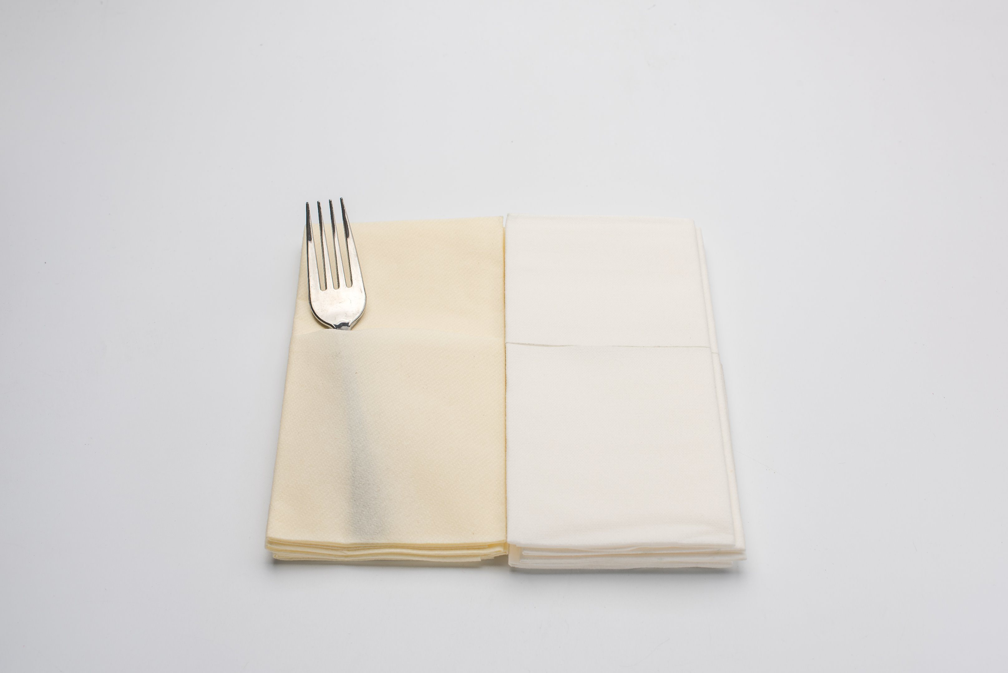 2017 Hot Sale Customized Sanitary Paper Dinner Napkin