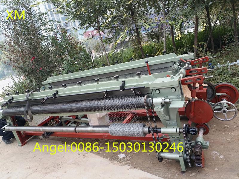 China Straight Reverse Hexagonal Wire Netting Mesh Machine Supplier