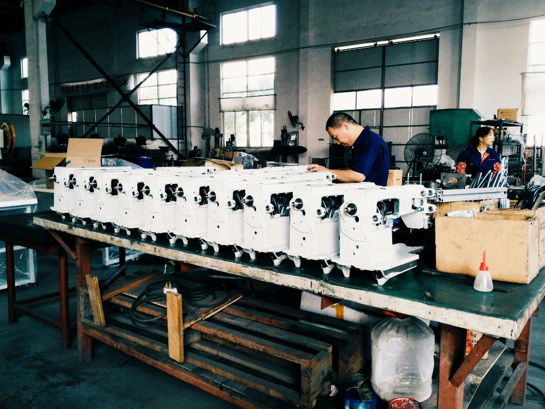 Lockstitch Industrial Sewing Machine for Mattress Tape Edge Machine