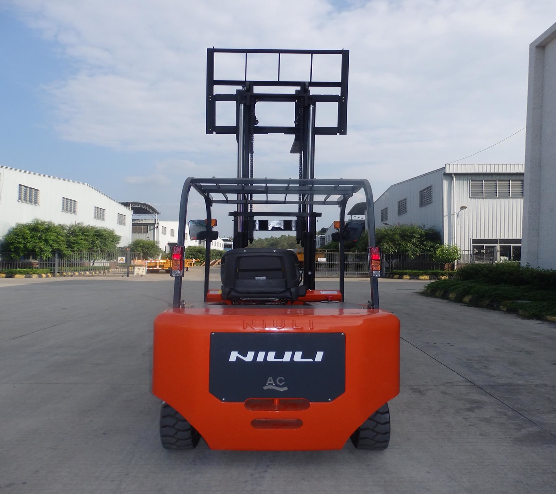 3ton Eletric Forklift with Certificates and Top Quality