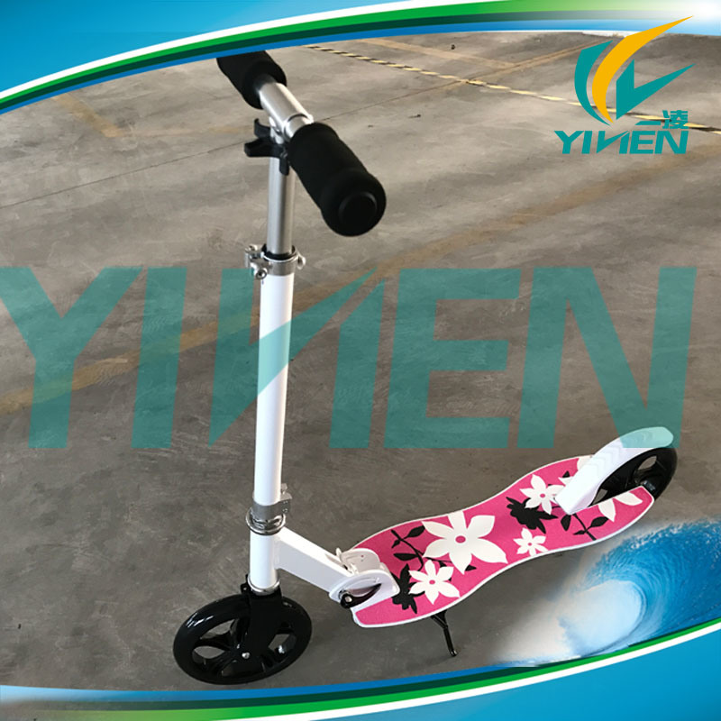 Easy Folding System 200mm Big Wheel Adult Aluminum Scooter