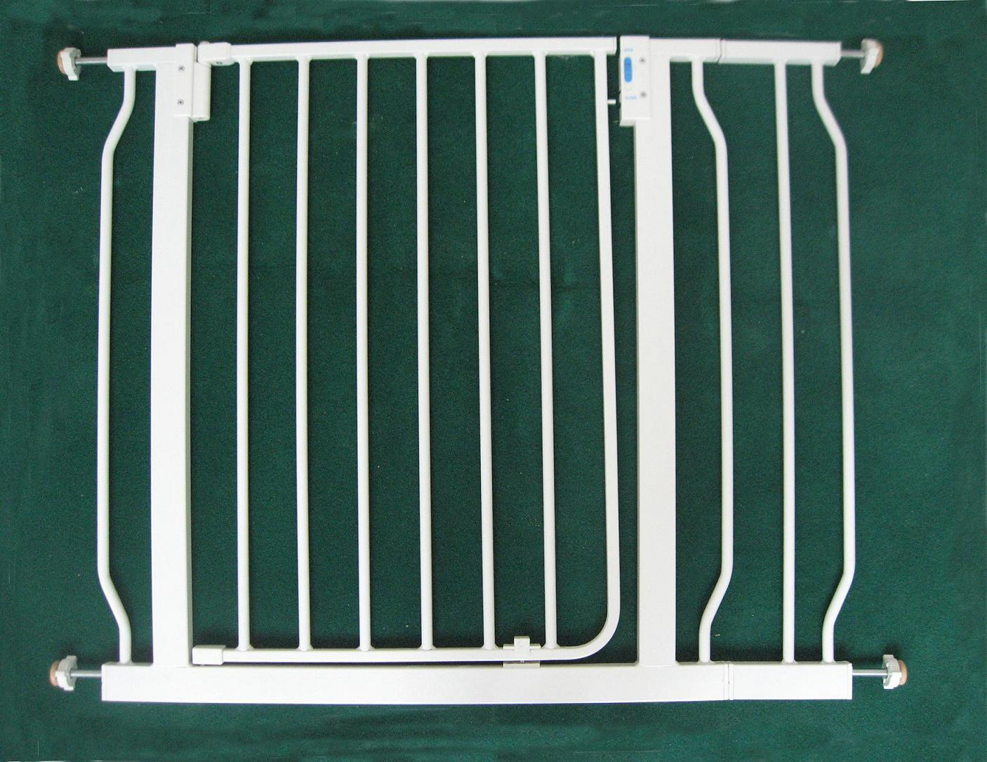 Child Safety Gate with 14cm Extension Bar - China Child Safety Gate ...