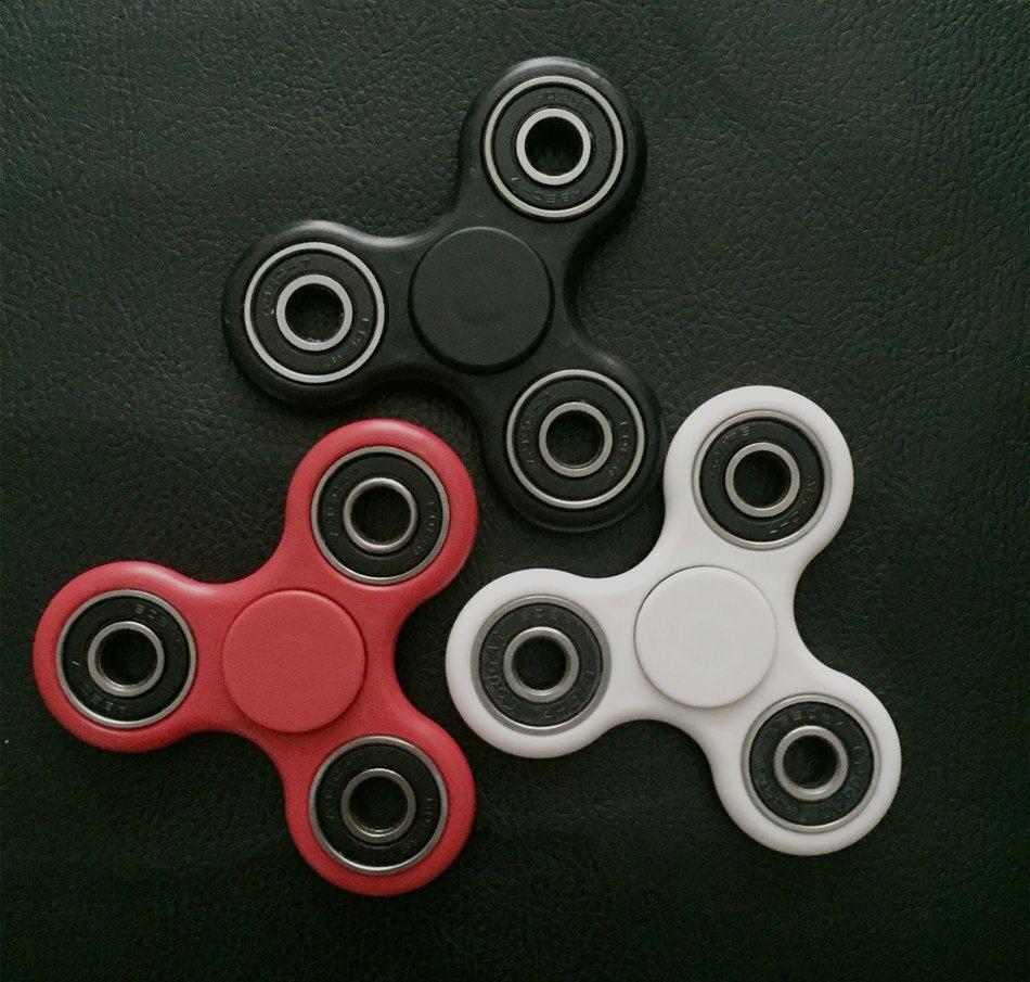 2017 Trending Products Ceramic Bearing Fidget Spinner ABS Tri-Spinner Desk Focus Toy