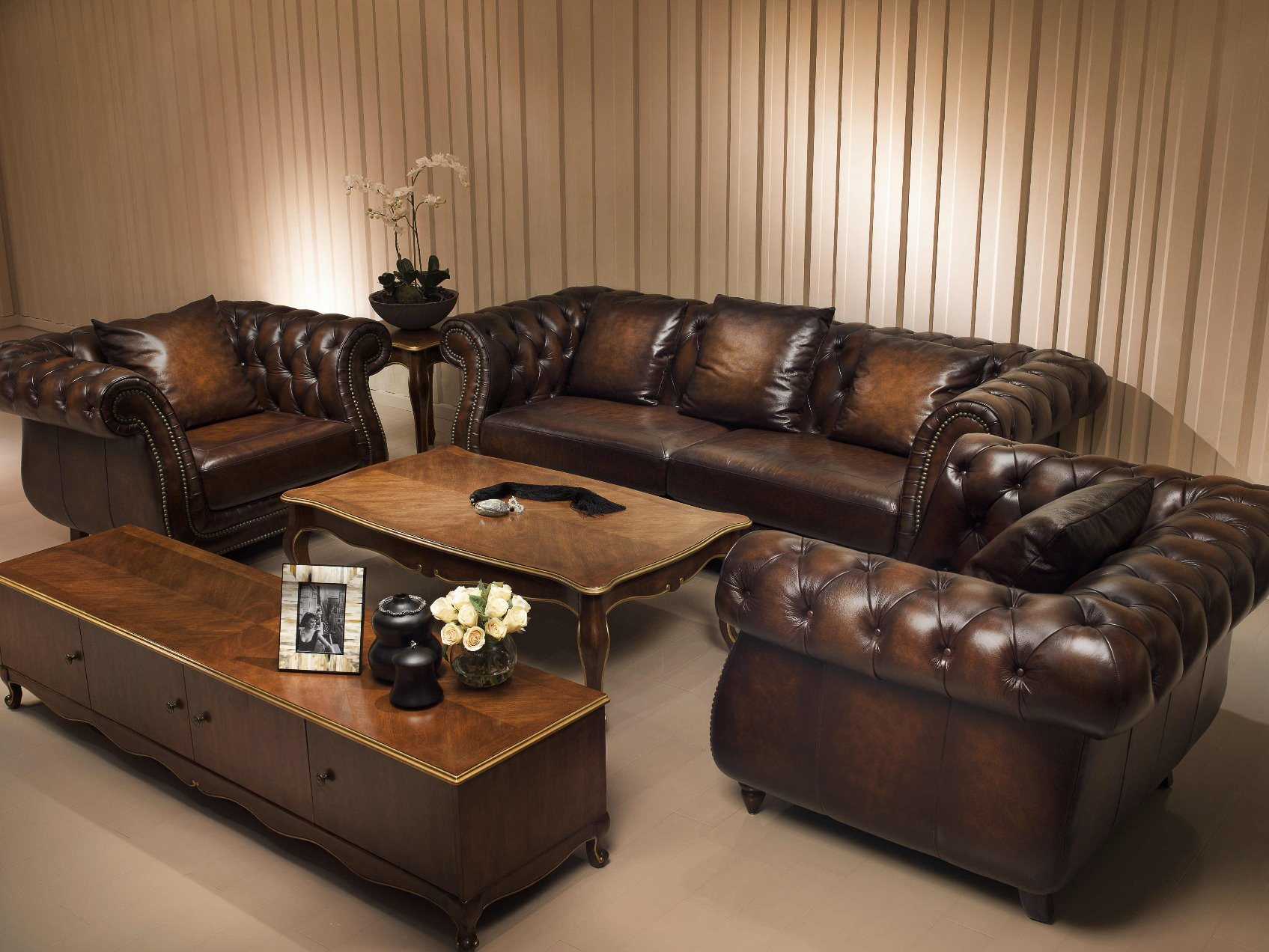 Top Quality Brown Color Vintage Chesterfield Sofa (A3) ! !