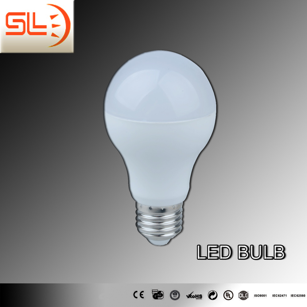 A60 7W LED Bulb Lamp 806lm with Ce