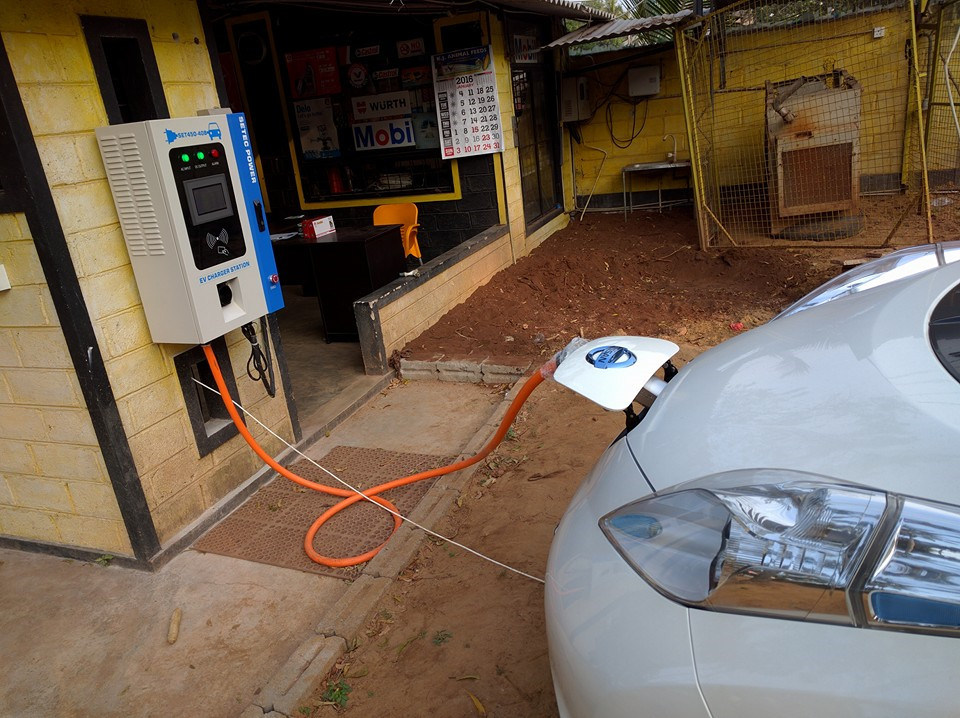 Level 3 Portable EV Fast Charging Station with CCS Connector
