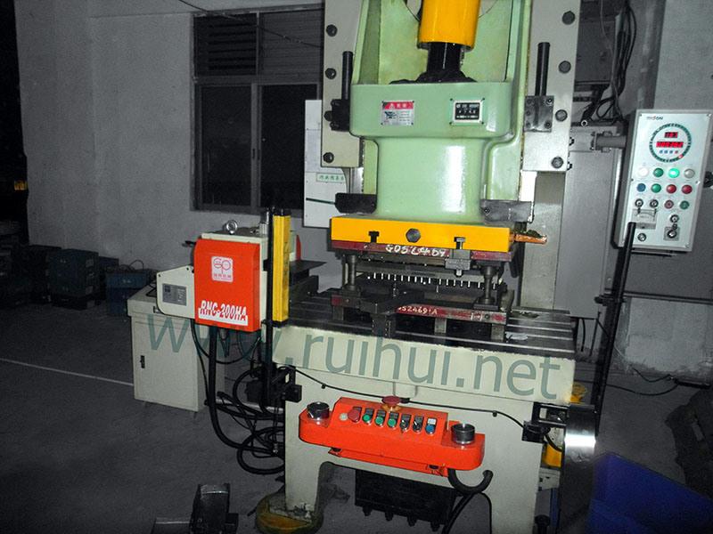 Compare Thin Material Nc Precision Servo Roll Feeder (RNC-200HA)