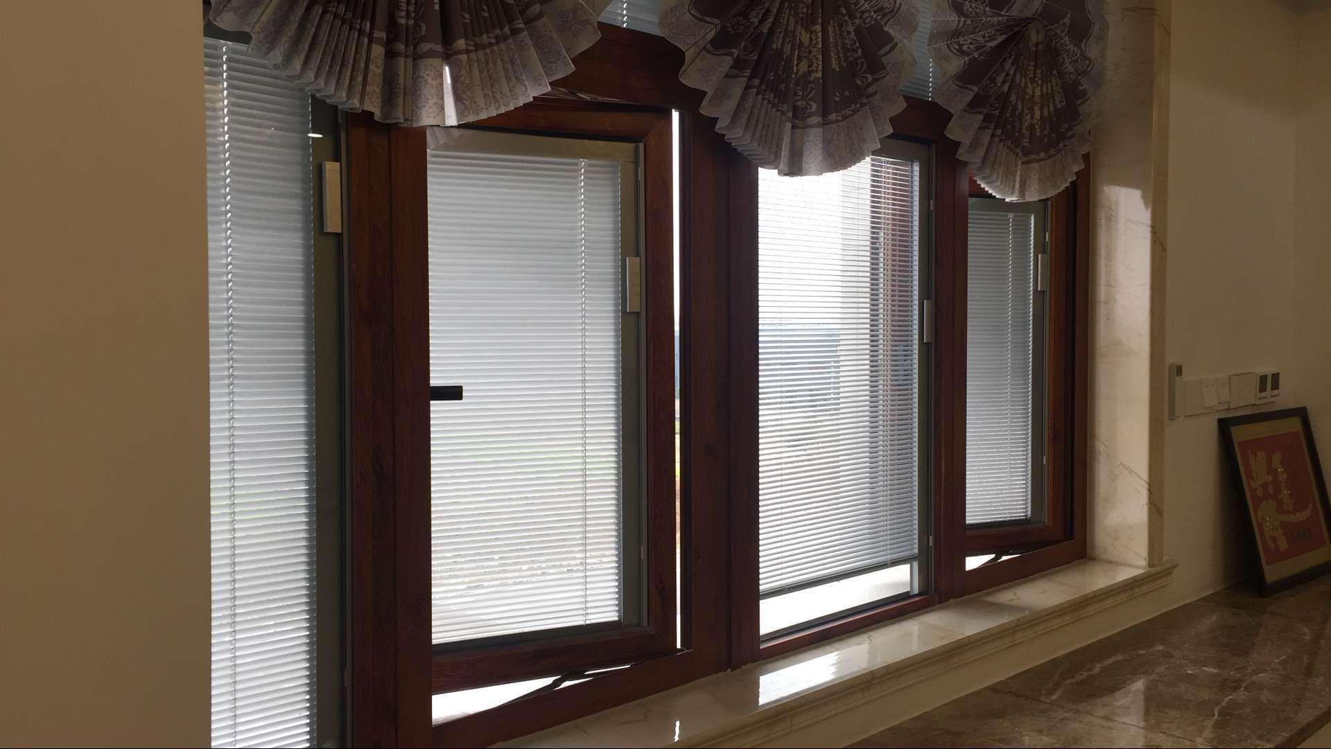 Classic PVC / Wooden Venetian Window Blind