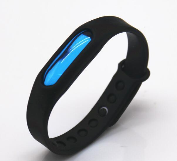 Safe Mosquito Wristband for Outdoor Use