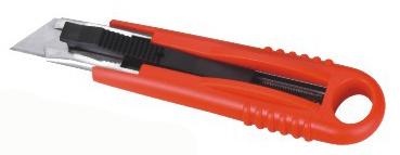 Auto-Retractable Safety Knife
